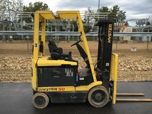 2001 Hyster E50XM2 Electric Cus