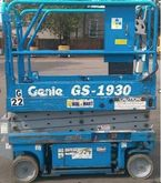 2000 Genie GS1930 Electric Scis