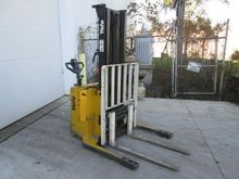 Used 2000 Yale MSW03