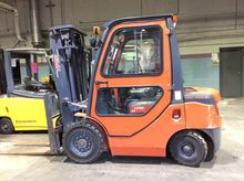 2015 Viper Lift Trucks FD25 Die