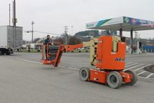 2009 JLG E300AJP Electric Boom