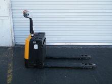 Vestil EPT-2547-30 Electric Wal