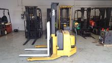 Used 2003 Yale MSW03