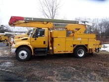 2003 International 4400 SBA 4x2