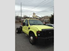 2008 Ford F350 Cab & Chassi
