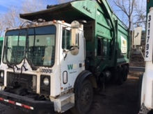 2001 Mack MR688S Front Load Gar