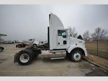 2004 Kenworth T800 Truck