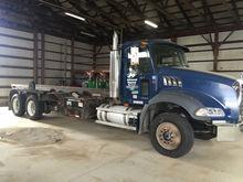 2006 Mack CT713 Rolloff Truck