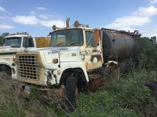 1983 Ford LT9000 Water Truck