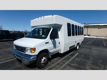 2007 Ford E450 20 Passenger Bus