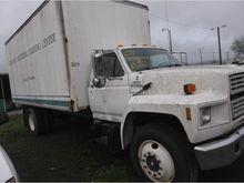 1992 Ford F700 Box Truck