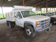 2000 Chevrolet 3500 Dump Truck