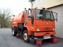 2007 Freightliner FC-80 Sweeper
