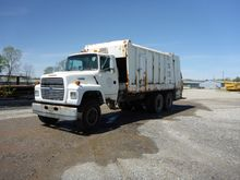 1996 Ford L8000 Garbage Truck