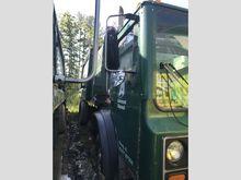 2007 Mack MR688S Side Load Garb