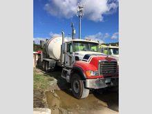 2003 Mack CV513 Mixer Truck