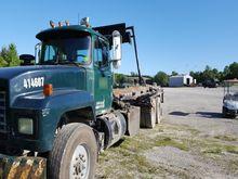 2002 mack rd688s Rolloff Truck