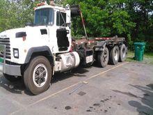 1994 mack rd688s Rolloff Truck