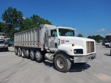 1998 international 5000 Dump Tr