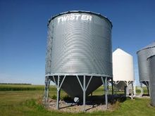 twister 4550 +/- Bushel 19 Ft x