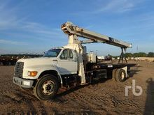 1997 Ford F800 w/National 500C