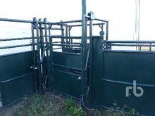 hi-hog Palpation Cage Livestock