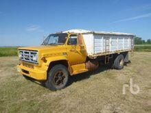 1975 gmc 6500 S/A Grain Truck