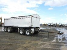 Macol 3.5 M Pig Tipping Trailer