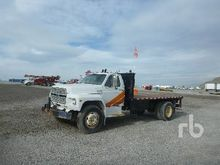 1992 Ford F700 Flatbed Truck