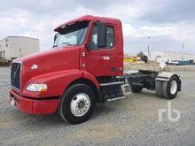 2004 Kenworth T800B Truck Tract