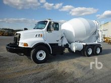 2004 Sterling L9500 T/A Mixer T