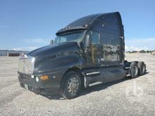2002 Kenworth T2000 Truck Tract