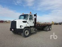 2002 Ford F650 S/A Flatbed Truc