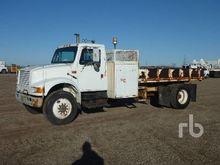 1990 International 4900 S/A Dum