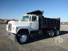 1981 Mack R686ST Dump Truck (T/
