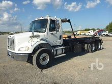 2007 Freightliner M2 T/A Rollof