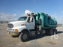 2005 Sterling L9500 T/A Hydro V