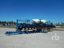 2013 Kinze 3660 32 Row 16/31 Pl