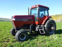 international 624 2WD Tractor