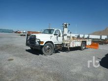 1998 Ford F800 S/A Flatbed Tire