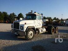 1991 Mack RD688S Truck Tractor