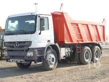 2005 Peterbilt 379 Dump Truck (