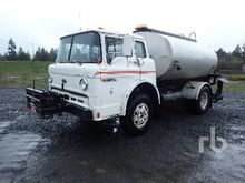 2003 Ford F750 2000 Gallon Asph