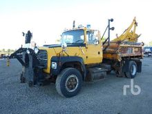 1991 Ford L9000 S/A Plow/Sander
