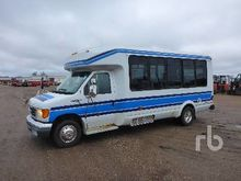 2009 Ford E450 Shuttle Bus