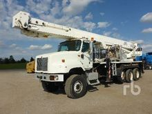 2000 Chevrolet C8500 w/Lift-All