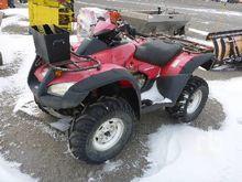 2003 honda 4x4 Quad ATV (< 950