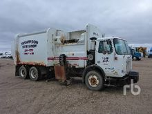 2003 Sterling L9500 T/A Garbage