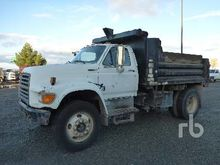 1995 Ford F800 Dump Truck (S/A)