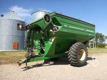 2011 j&m 875 Grain Cart